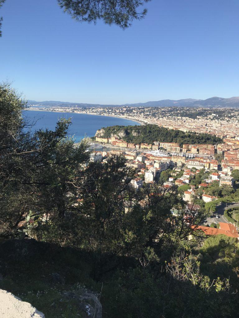 Le Port de Nice et la Colline du Vieux Château